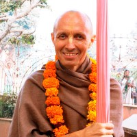 Е.С. Бхакти Ананта Кришна Госвами Махарадж - Джапа 1
